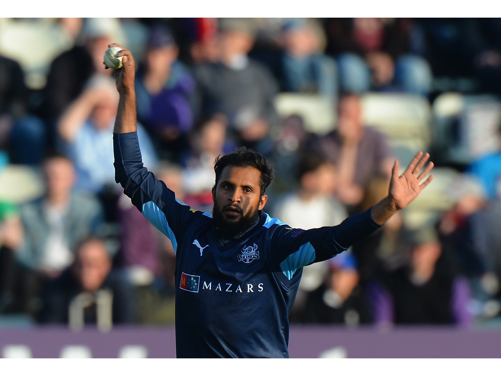 Rashid shelves first-class cricket for white-ball deal
