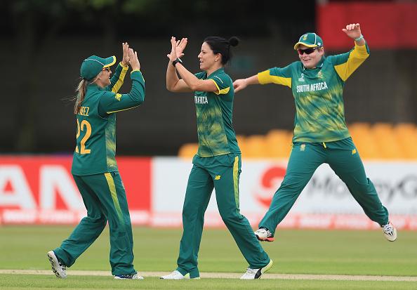 Marizanne Kapp wicket celeb