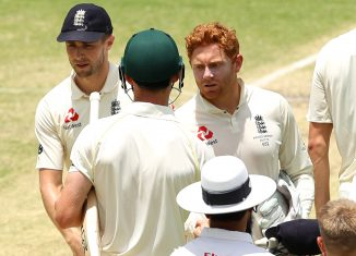 Jonny Bairstow shakes hands with Cameron Bancroft