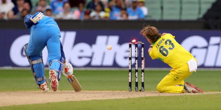 Adam Zampa MS Dhoni