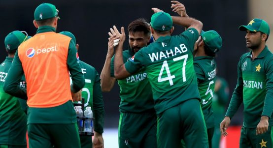 Mohammad Amir celebrate England Pakistan World Cup PA