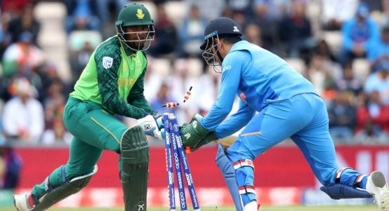 Andile Phehlukwayo stumped MS Dhoni India South Africa World Cup PA