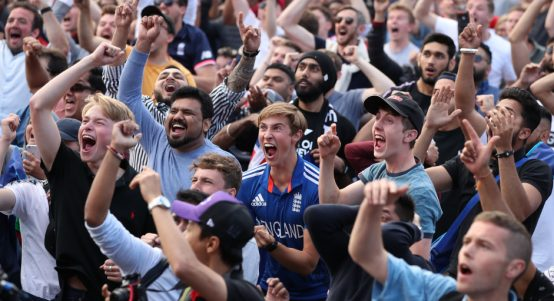 Fans.Reaction.PA_