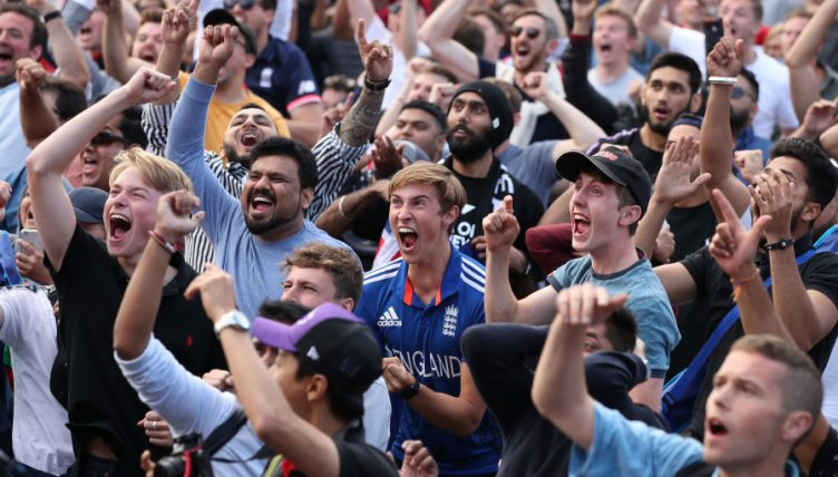 Fans.Reaction.PA_