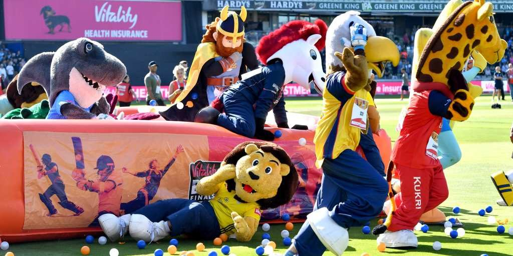 T20 Blast Finals Day Mascot Race faller