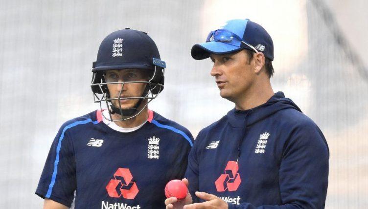 Joe Root Shane Bond England Ashes 2017 PA