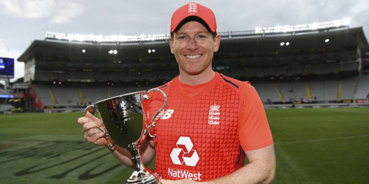 Eoin.Morgan.England.New_.Zealand.Trophy.PA_