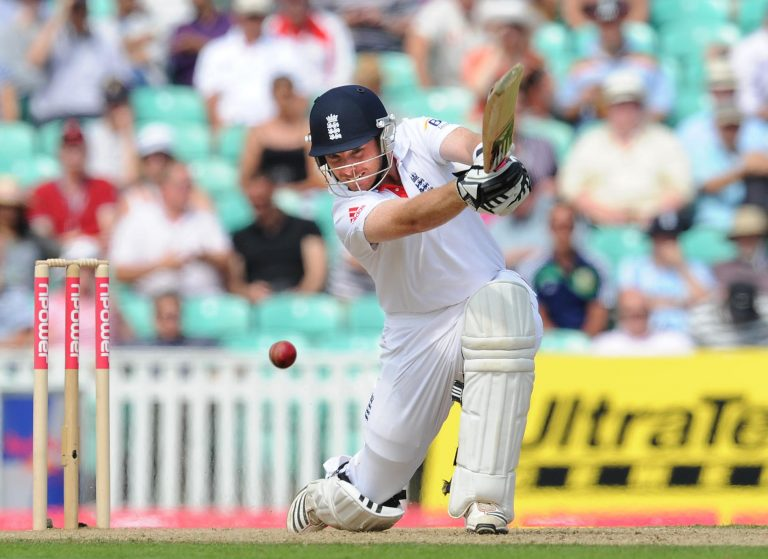Ian Bell on his way to his first hundred