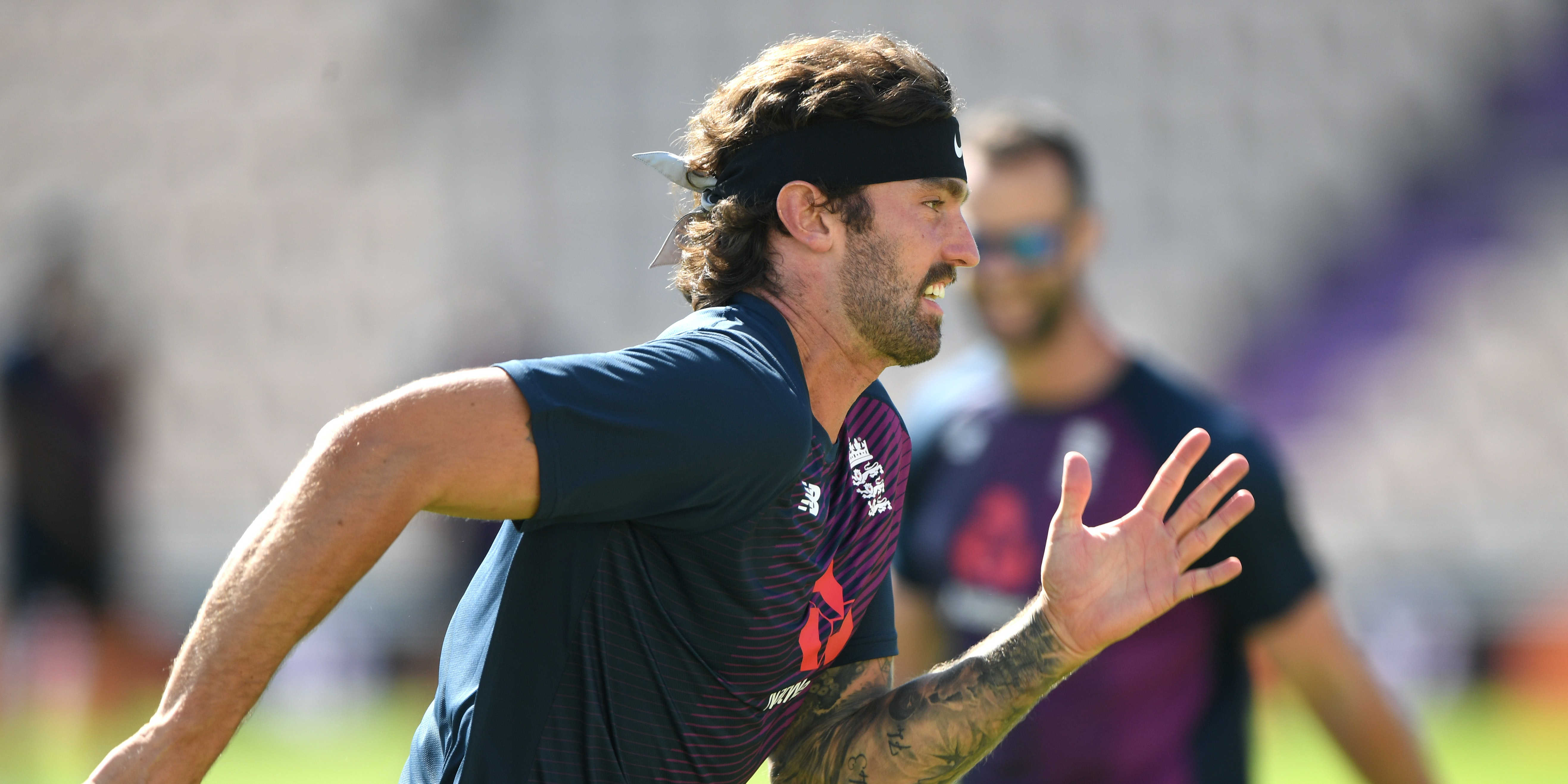 Reece Topley impresses as Surrey edge closer to home tie in Blast quarter-finals