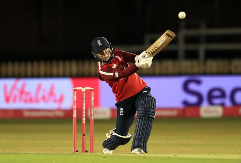 Tammy Beaumont hitting out.