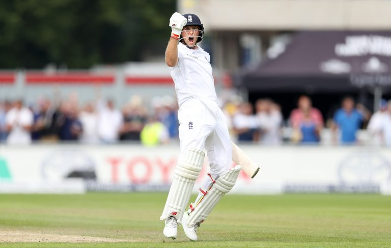Joe Root celebrates his double century against Pakistan