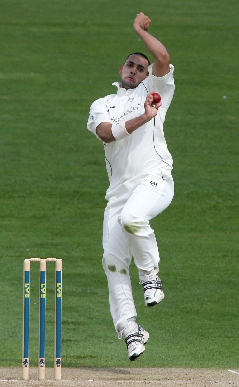 Cricket – Liverpool Victoria County Championship – Division One – Day One – Yorkshire Phoenix v Durham Dynamos – Headingley Cricket Ground