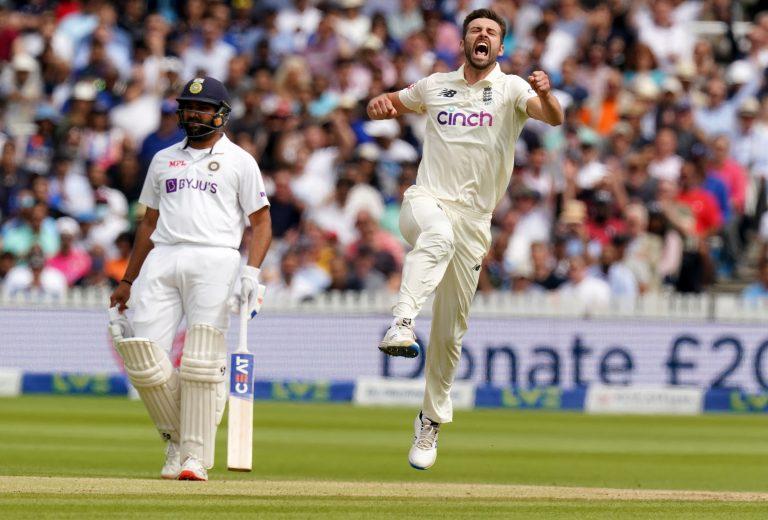 Mark Wood celebrates  the wicket of KL Rahul