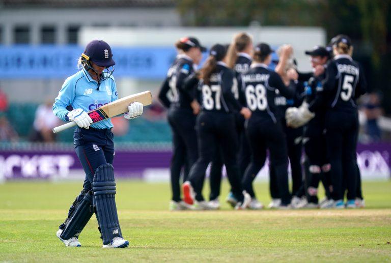 England v New Zealand – Third Women's ODI – Uptonsteel County Ground